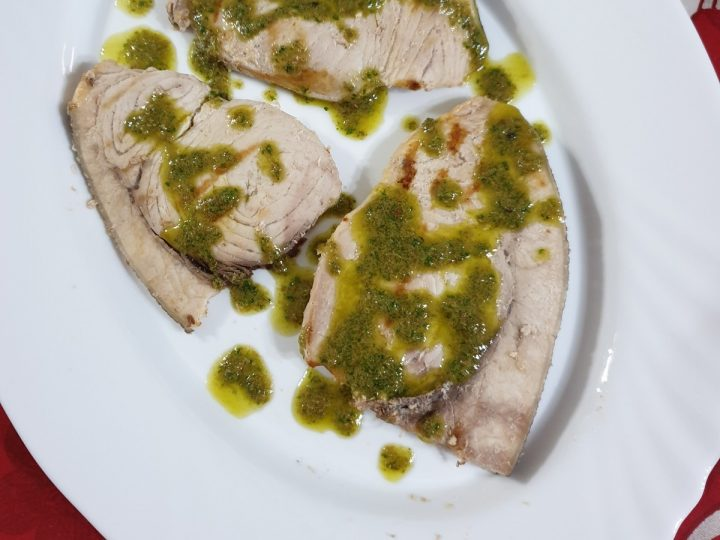 Pesce spada in salsa verde | ricetta leggera pesce spada alla piastra