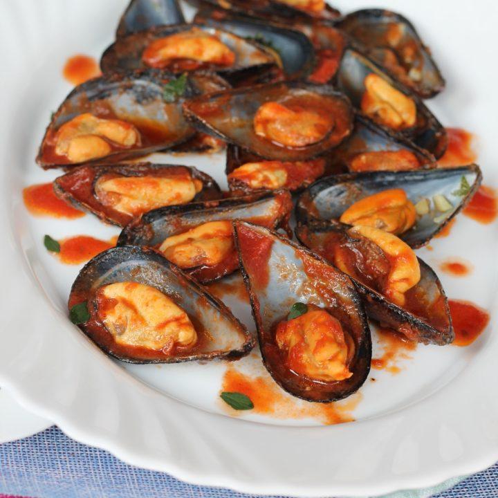 Cozze alla livornese   ricetta originale toscana zuppa di cozze al pomodoro