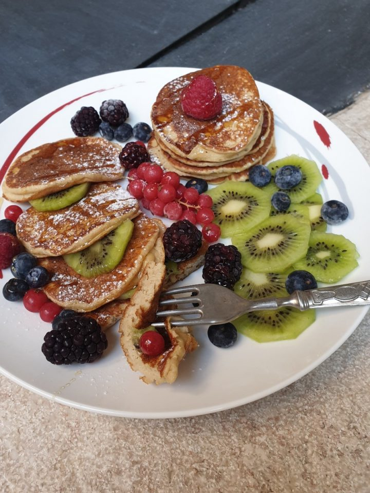 Ricetta pancakes banana e ricotta | banana pancakes veloci morbidissimi