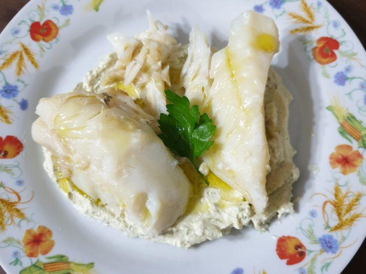Baccalà su mousse di capperi | secondo di pesce con baccalà al vapore