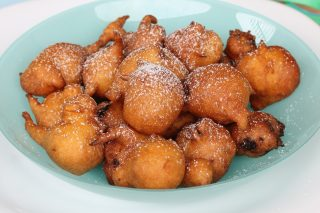 Frittelle di Carnevale tradizionali | ricetta originale frittelle dolci con uvetta