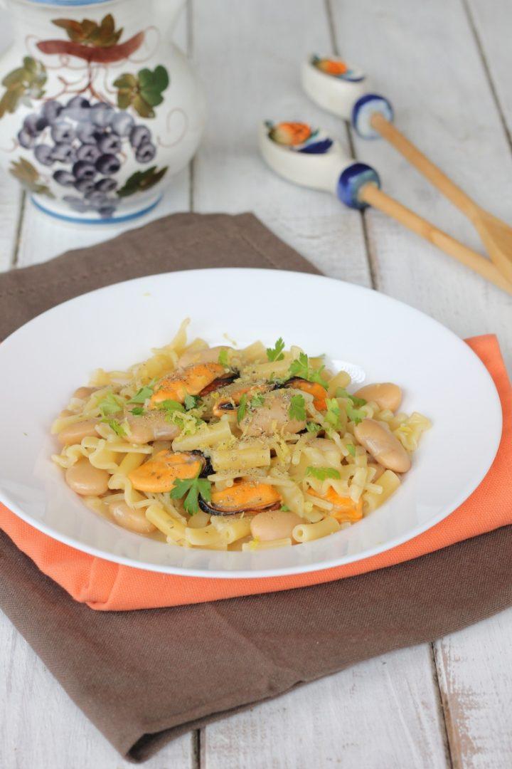 Ricetta pasta con fagioli corona cozze e limone | primo piatto con legumi