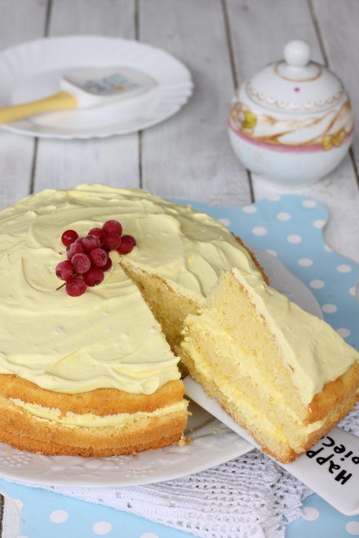 Torta cremosa al limone | ricetta torta con crema diplomatica al limone