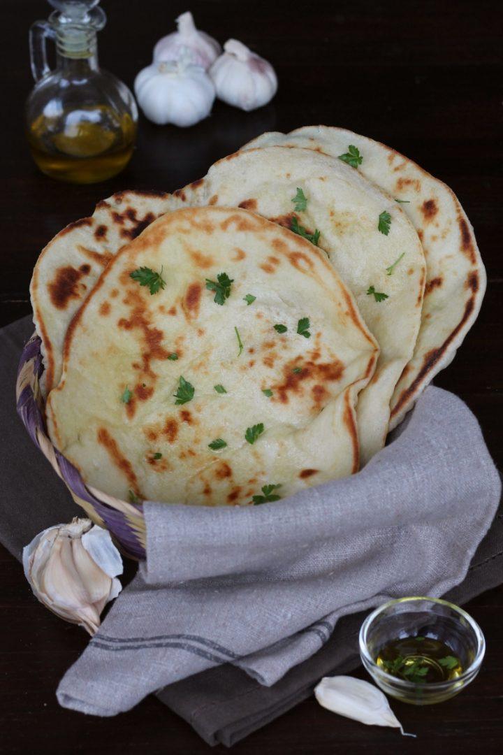 Ricetta Naan Giallo Zafferano.Pane Naan Ricetta Originale Naan Bread Indiano Tradizionale
