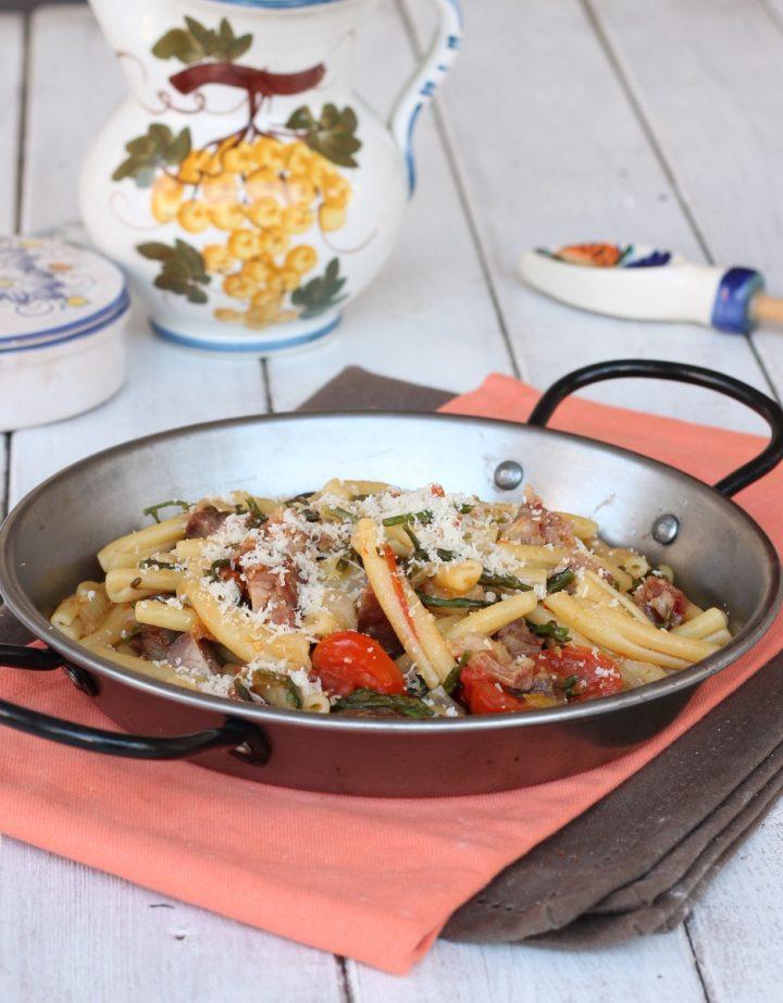 Ricetta pasta asparagi e salsiccia | pasta con asparagi selvatici o coltivati