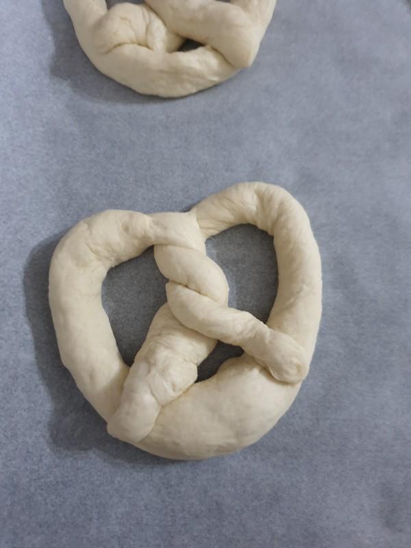 BRETZEL ricetta pretzel tipici | pane tedesco | ricetta originale bretzel tedeschi