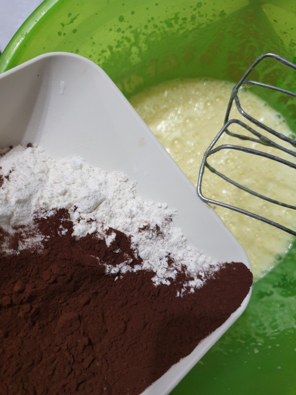 TORTA SENZA LIEVITO con impasto al cacao senza burro ricetta torta al cioccolato morbidissima