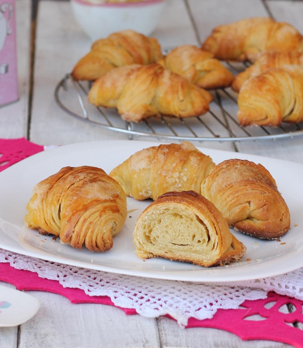 Ricetta cornetti sfogliati veloci | croissant sfogliati facili | metodo sfogliette