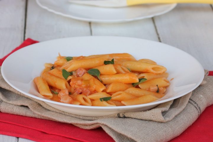 PASTA CON STRACCHINO ricetta pasta stracchino e pomodoro cremosa