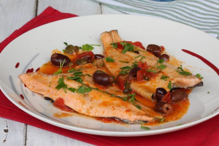 FILETTI DI TROTA SALMONATA IN PADELLA ricetta trota alla siciliana
