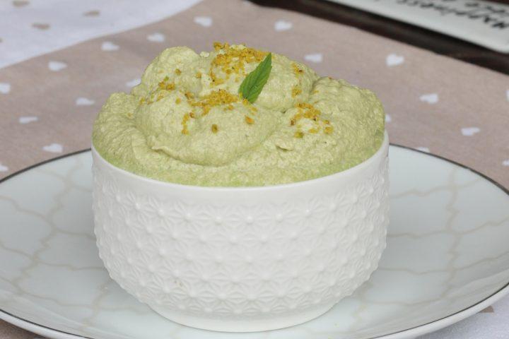MOUSSE AL PISTACCHIO ricetta crema al pistacchio | dolce veloce