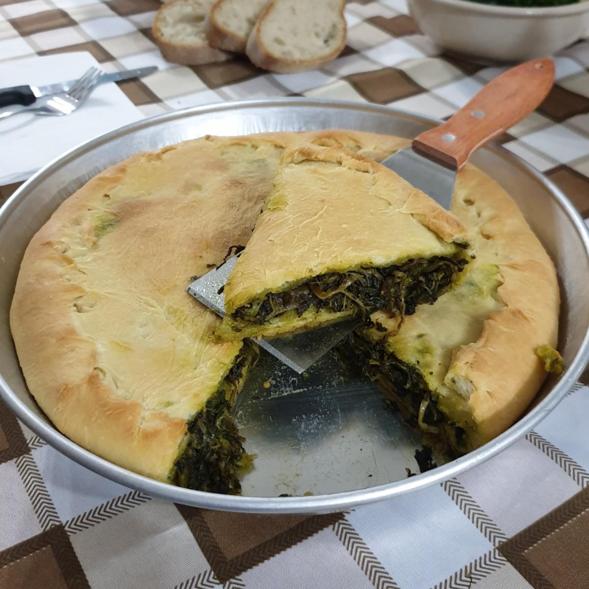 ricetta regionale cucina NAPOLETANA ricetta torta di scarole tradizionale
