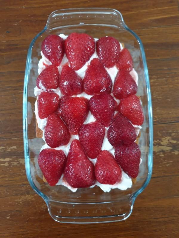 dolce senza cottura alle fragole |dolce panna e fragole