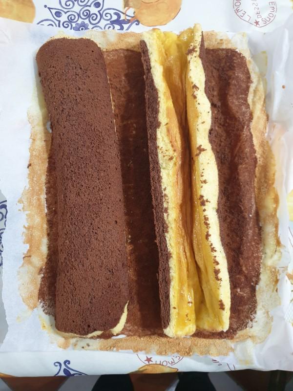 BARCHETTE MORBIDE PANNA E NUTELLA pan di spagna arrotolato bianco e nero con nutella