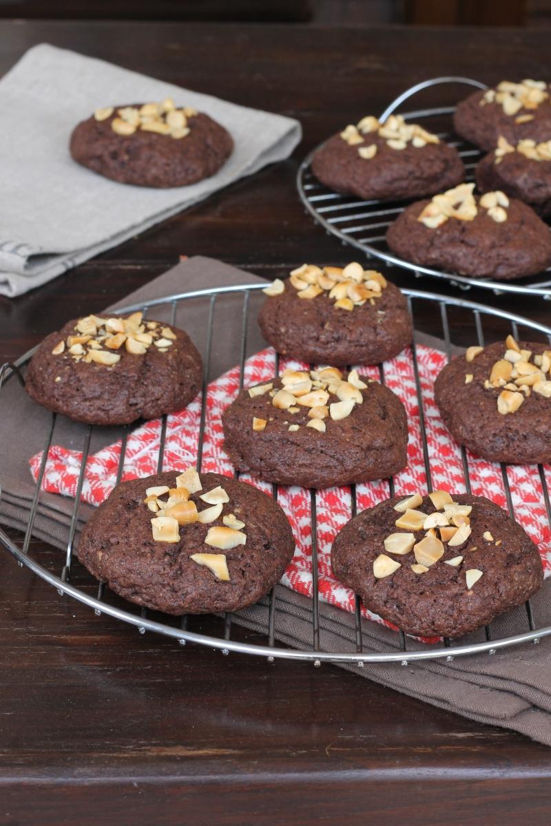 BISCOTTONI al cioccolato | ricetta biscotti morbidi veloci