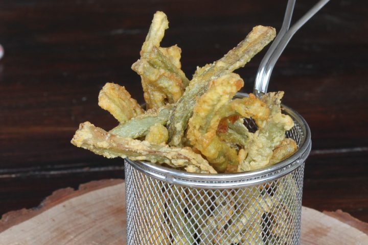 GAMBI DI CARCIOFO FRITTI ricetta con gambi di carciofi in padella dorati