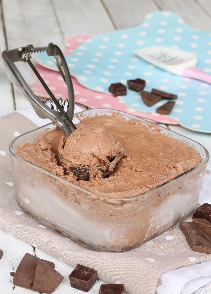 GELATO AL CIOCCOLATO senza gelatiera   ricetta gelato fatto in casa