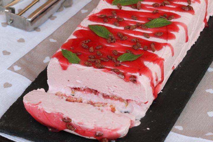 SEMIFREDDO ALLE FRAGOLE ricetta torta gelato fragole e pavesini