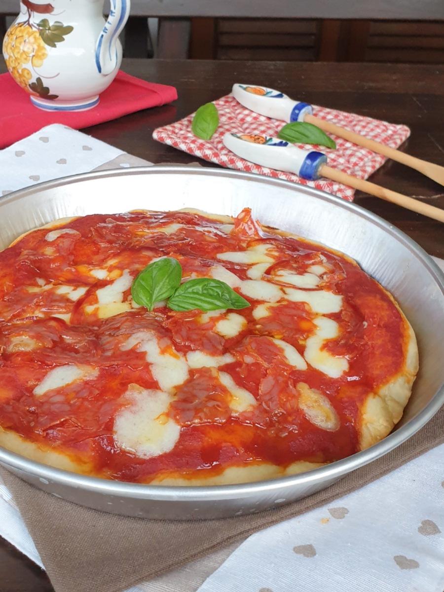 PIZZA nel ruoto pizza alta e soffice | impasto e cottura pizza fatta in casa