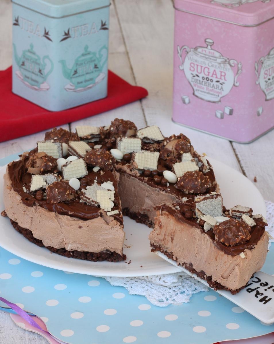 TORTA FERRERO ROCHER SENZA COTTURA ricetta torta fredda rocher | cheesecake nutella
