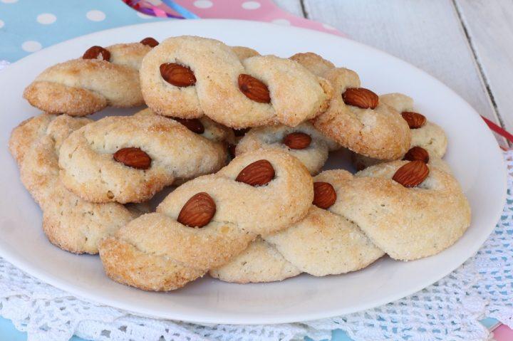 INTORCHIATE dolci PUGLIESI biscotti pugliesi con mandorle |ricetta dolce