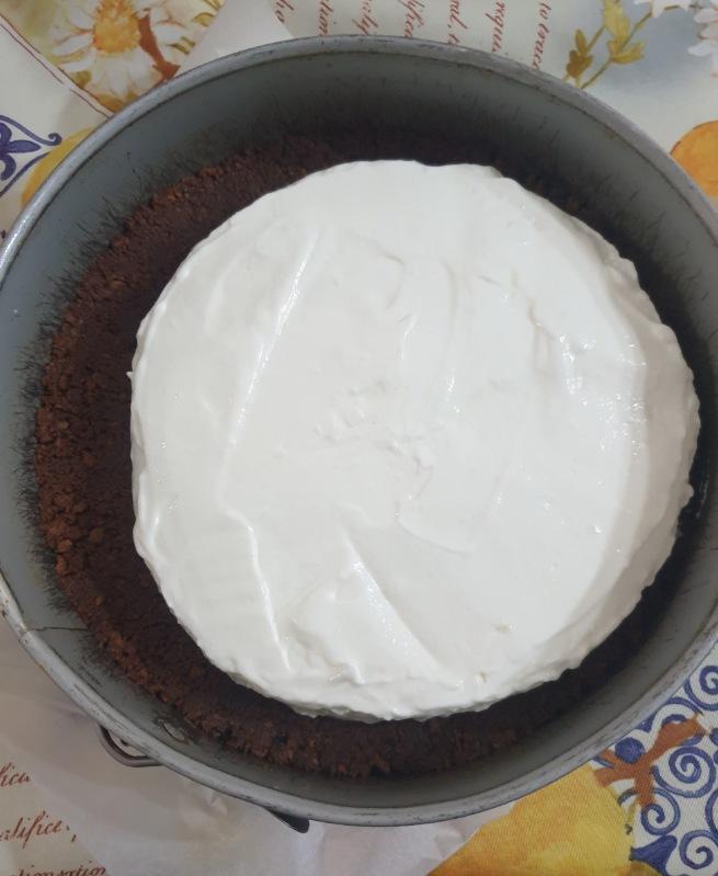 semifreddo AI FRUTTI DI BOSCO torta fresca allo yogurt con biscotti
