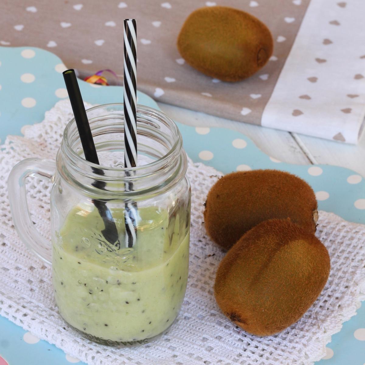 FRULLATO CON KIWI RICETTA smoothie al kiwi depurativo diuretico