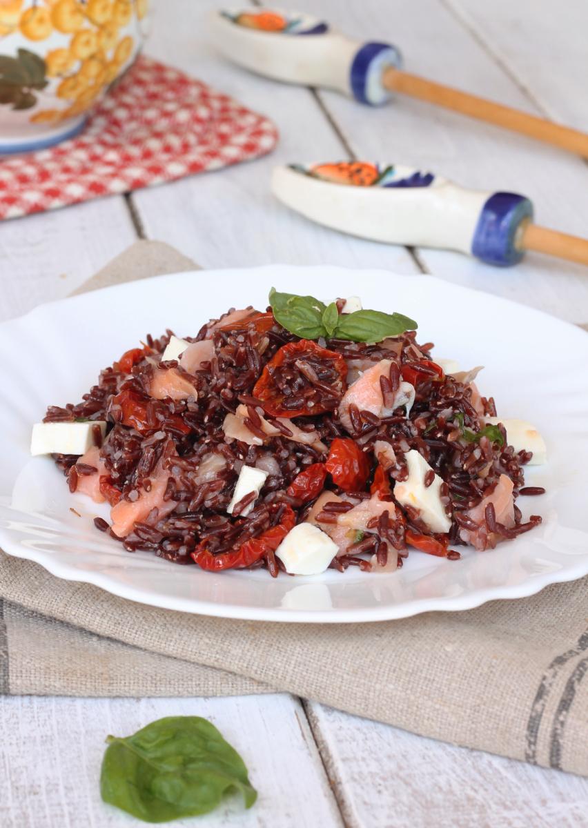INSALATA DI RISO con pomodorini confit  ricetta riso rosso freddo | insalata estiva