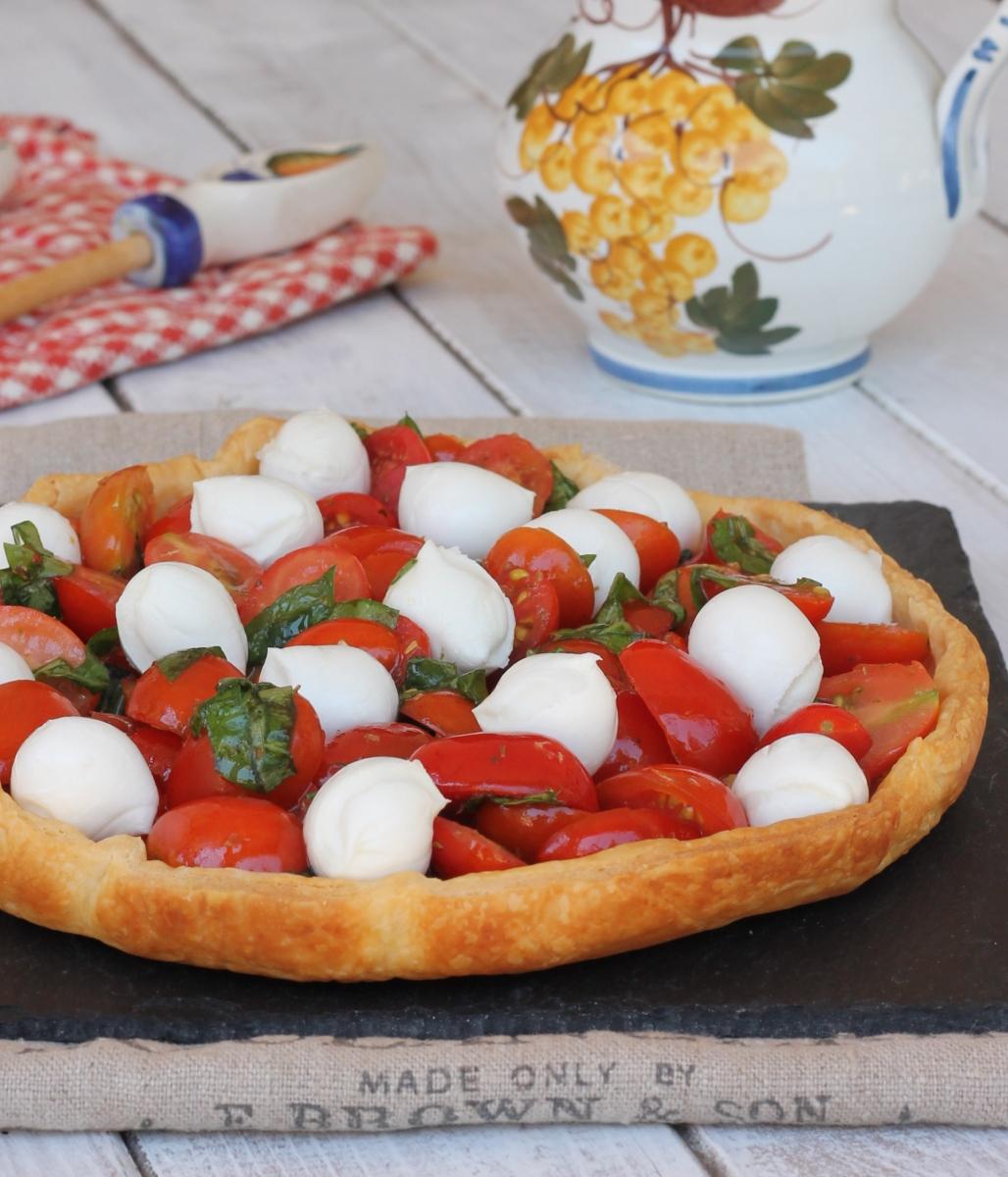 SFOGLIA CAPRESE ricetta torta salata pomodoro e mozzarella