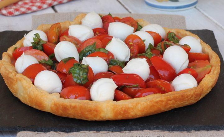 SFOGLIA CAPRESE ricetta torta salata con pomodorini e mozzarella