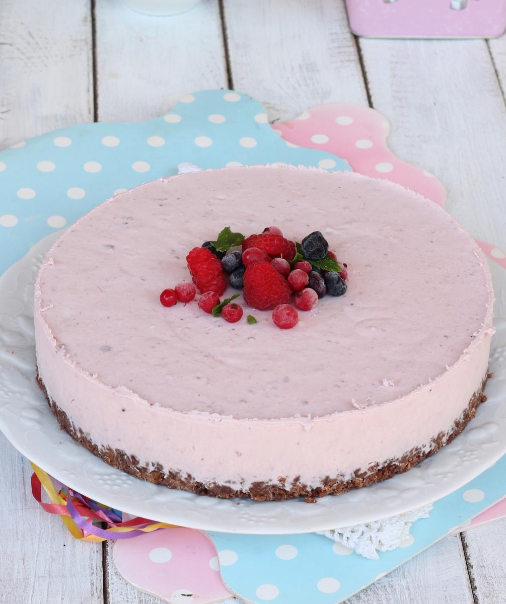 TORTA yogurt   torta fresca allo yogurt con biscotti