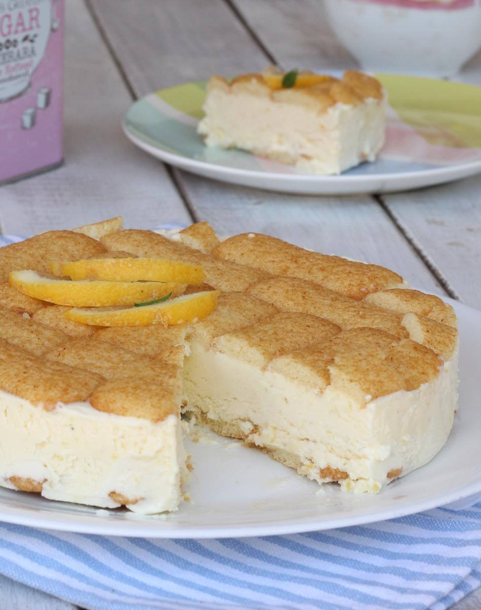 TORTA AL LIMONE SENZA COTTURAricetta torta gelato al limone veloce