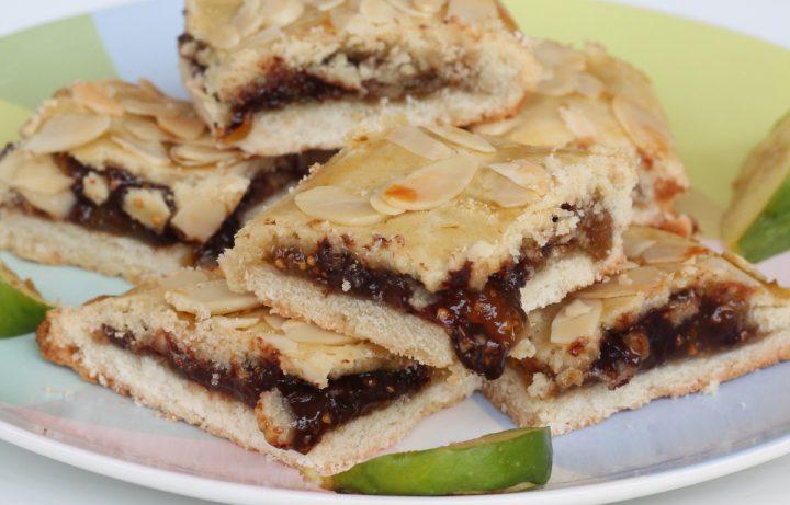 BISCOTTI con MARMELLATA di FICHI biscotti con fichi e cioccolato