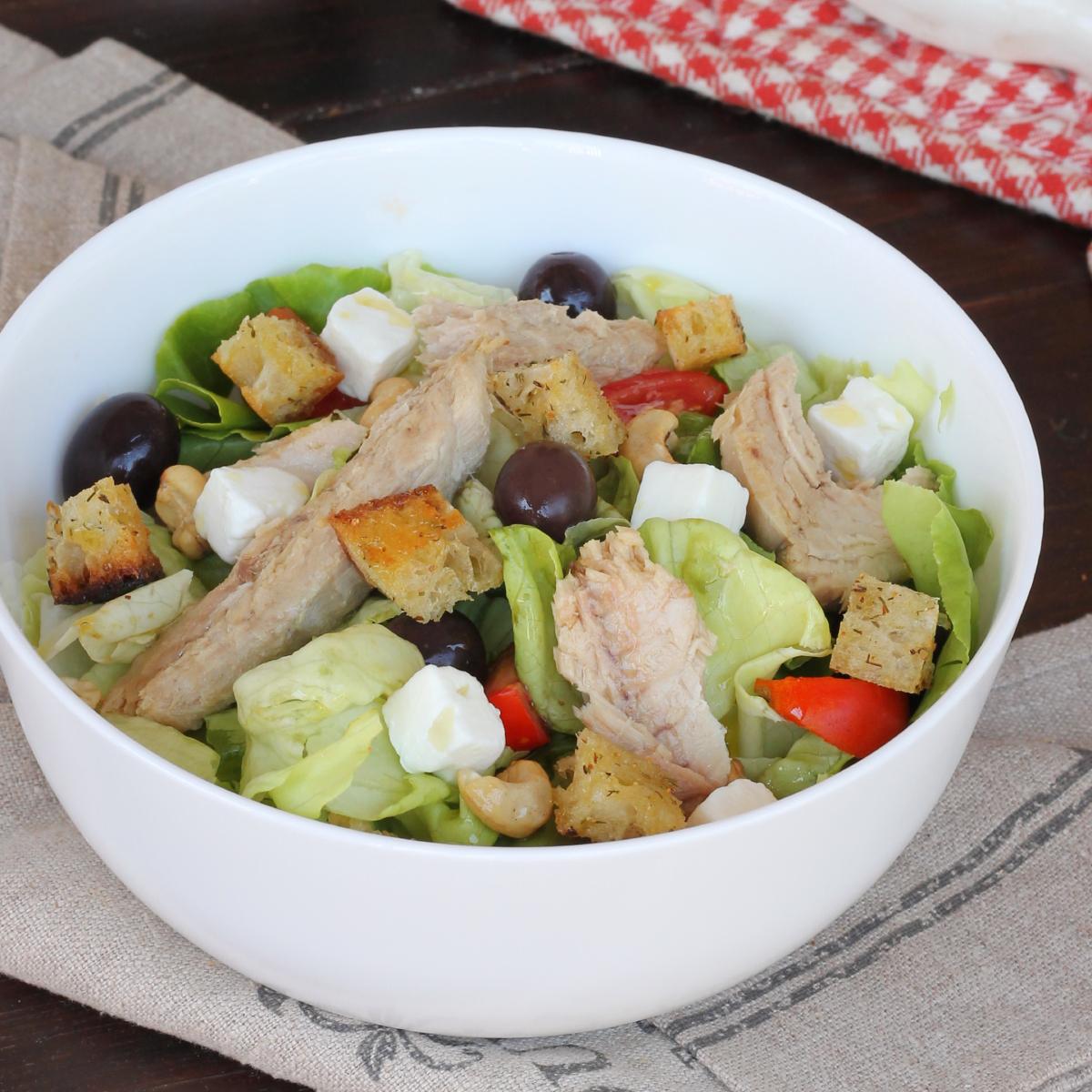 INSALATA CON filetti di SGOMBRO in scatola  insalata di sgombro | ricetta fredda leggera