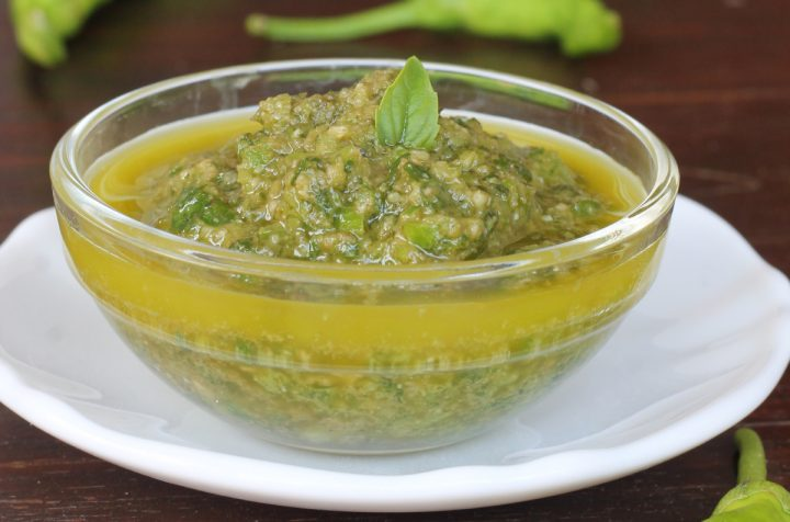PESTO di PEPERONCINI VERDI friggitelli | salsa di peperoni verdi veloce