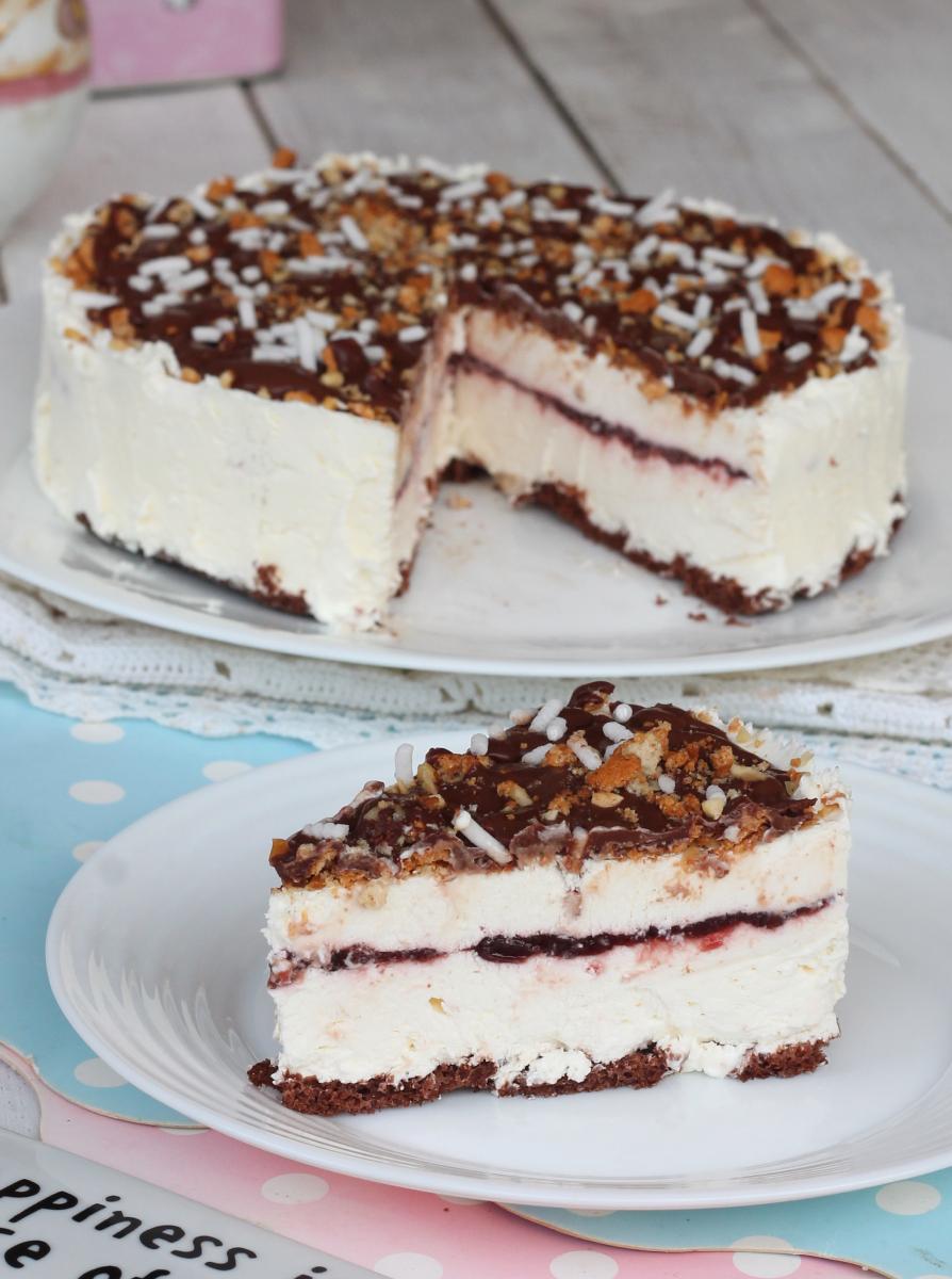 gelato vaniglia e AMARENA torta semifreddo con gelato amarene cioccolato