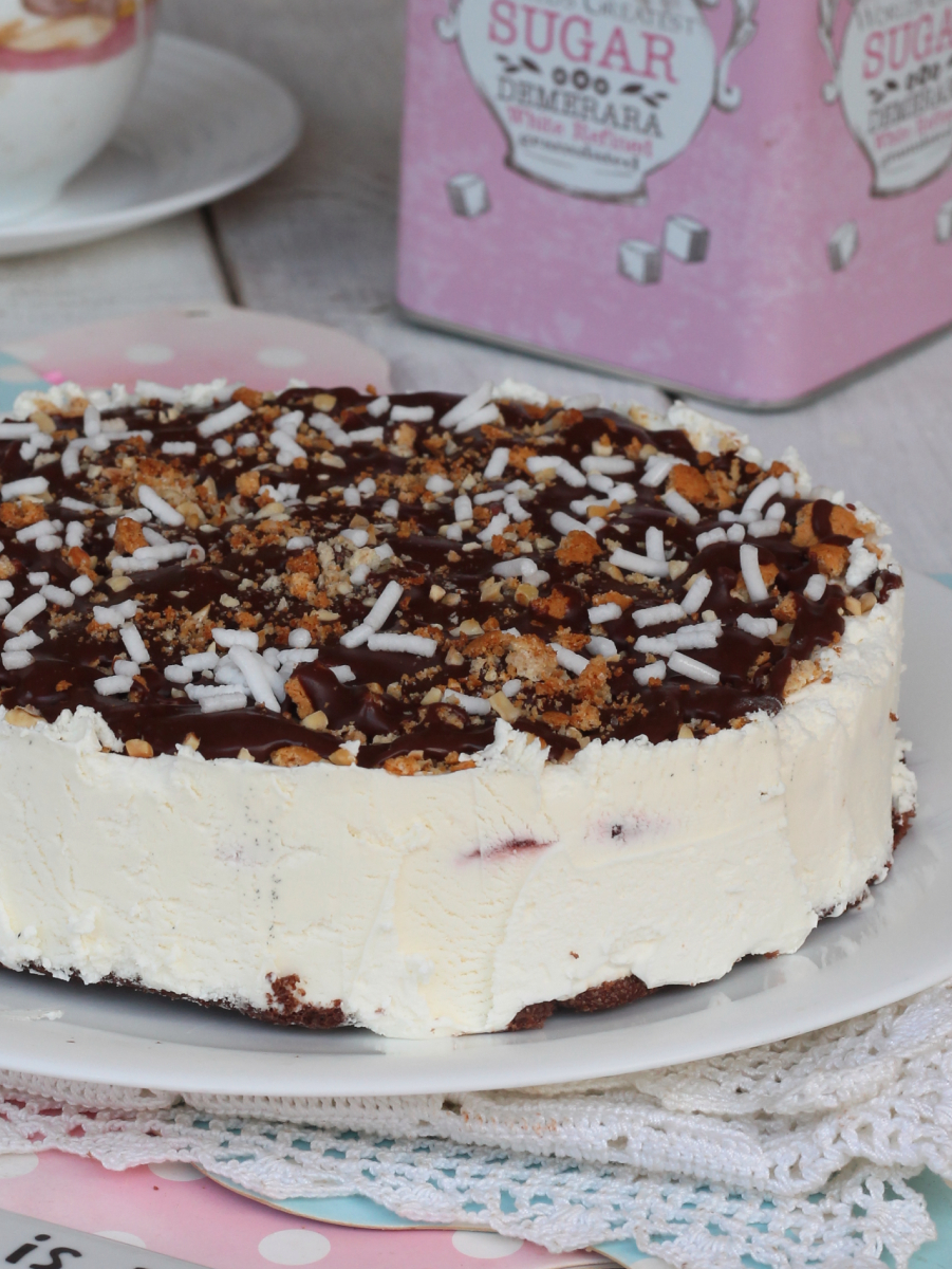 gelato CROCCANTE con le AMARENe torta semifreddo con gelato amarene cioccolato