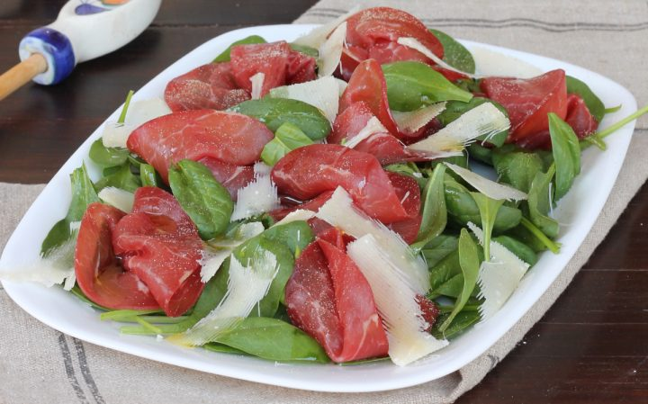 INSALATA DI SPINACINO | insalata con bresaola e spinacino fresco crudo
