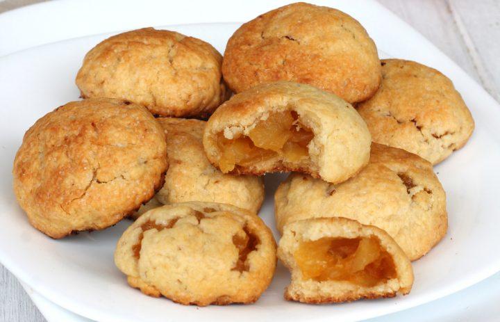 BISCOTTI CUOR DI MELA ricetta biscotti ripieni di mele | biscotti di mele