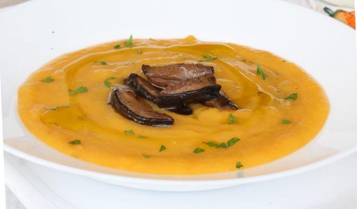 CREMA DI ZUCCA CON PORCINI ricetta vellutata di zucca con funghi