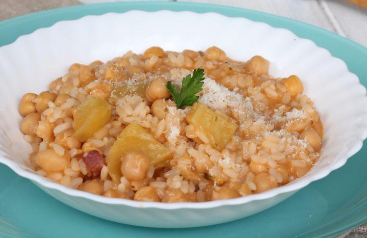 RISO CON CECI E PATATE | primo piatto caldo di riso e ceci con patate