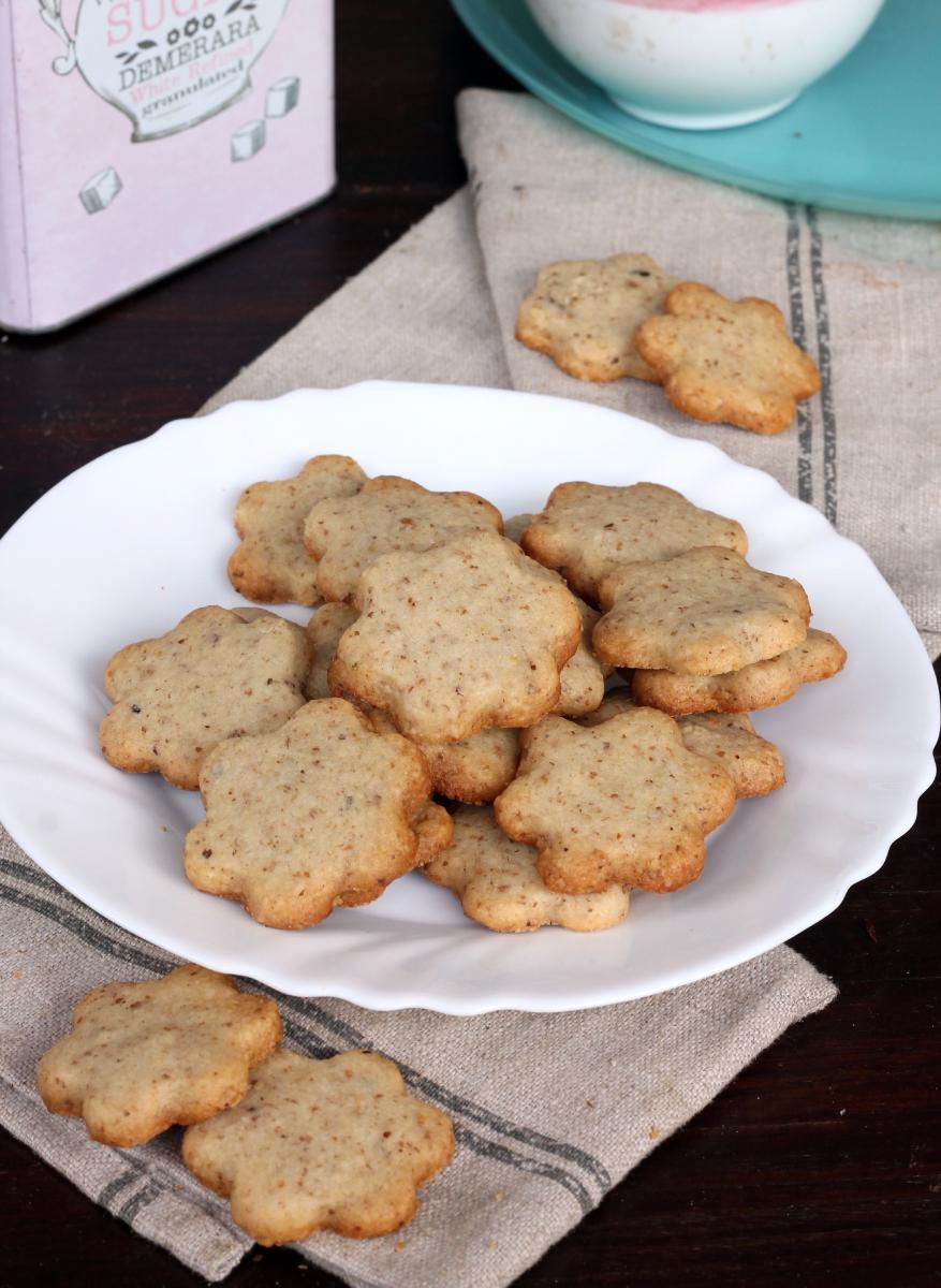 BISCOTTI ALLE NOCI ricetta biscotti con noci tritate | frollini alle noci