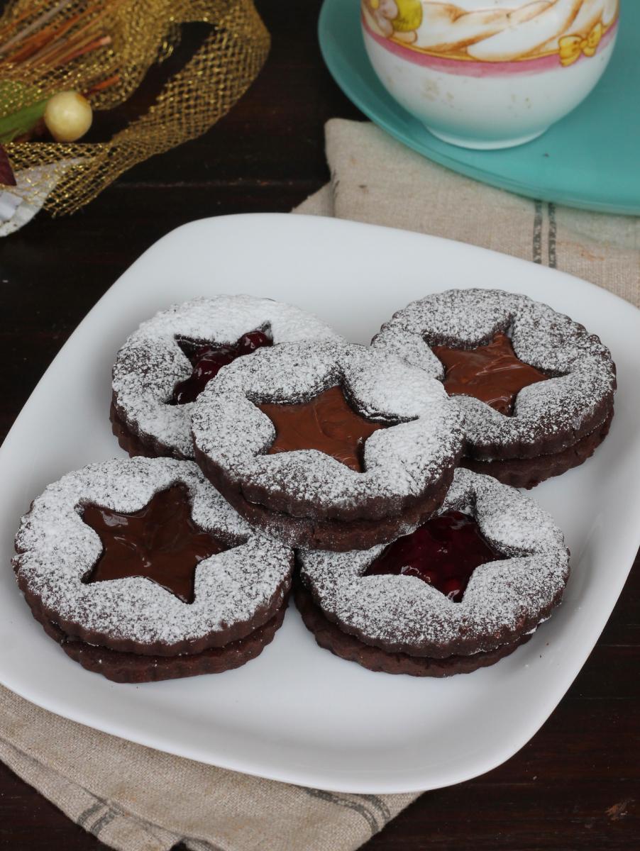 BISCOTTI RIPIENI AL CIOCCOLATO ricetta biscotti farciti al cioccolato