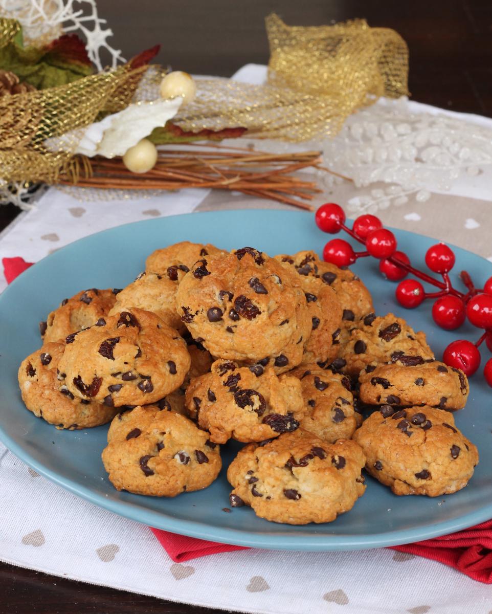 PIZZICOTTI ABRUZZESI ricetta biscotti morbidi cioccolato uvetta e noci