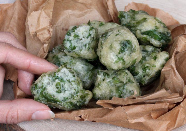 FRITTELLE ALLE ALGHE zeppoline alle alghe   ricetta pizzette alle alghe