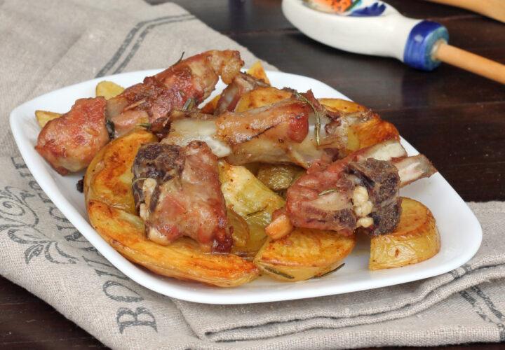 AGNELLO AL FORNO CON PATATE ricetta agnello con patate   abbacchio