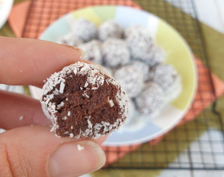 PALLINE DI COCCO LIGHT tartufini light cioccolato cocco e nocciole