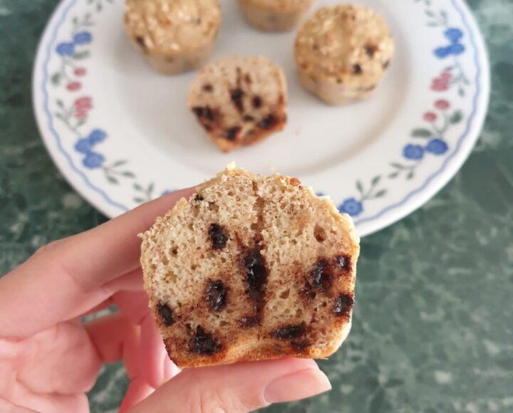 MUFFIN PROTEICI banana e granella di nocciole   ricetta tortini light dolci