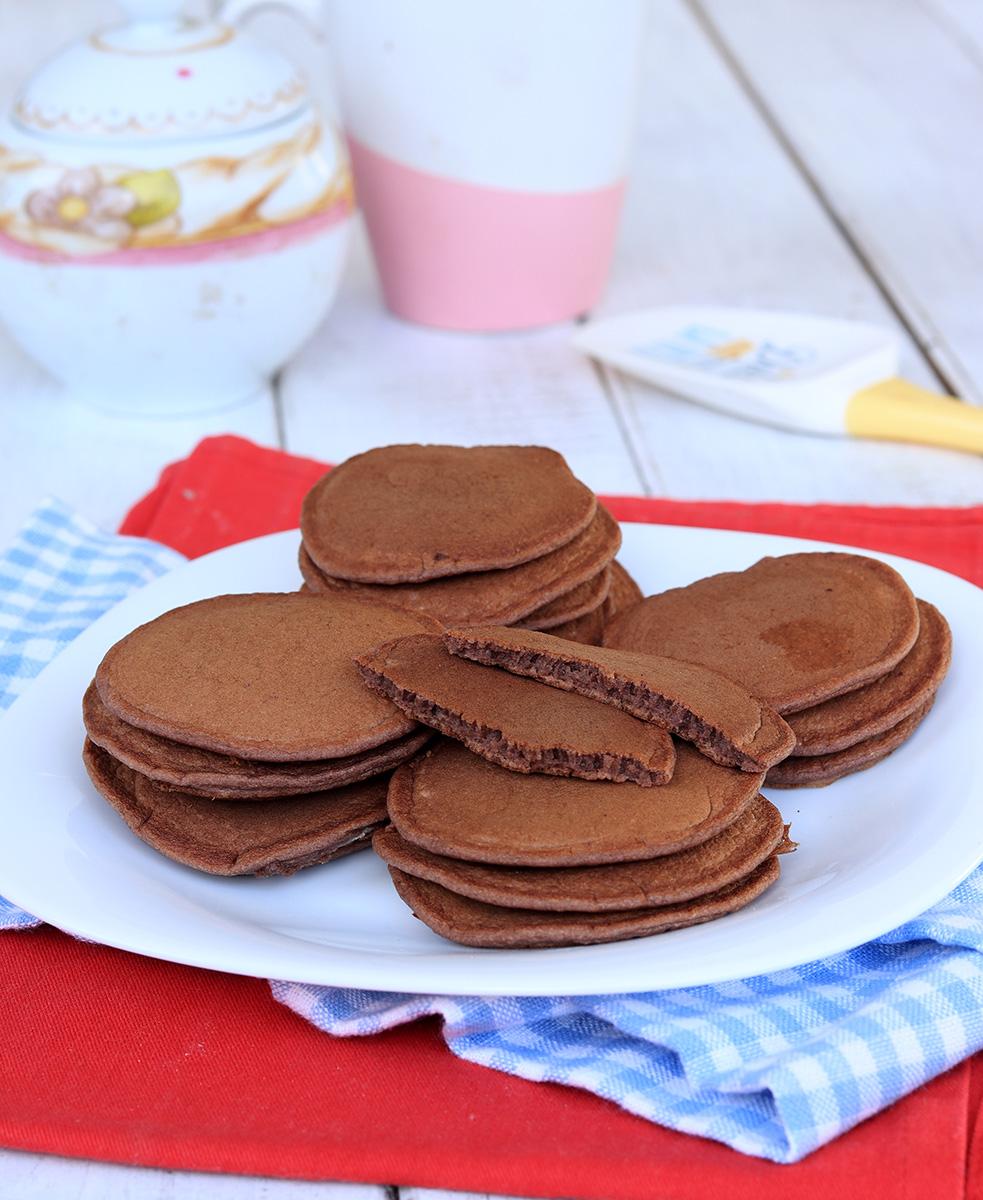 PANCAKE PROTEICI AL CACAO ricetta fit light pancakes morbidissimi