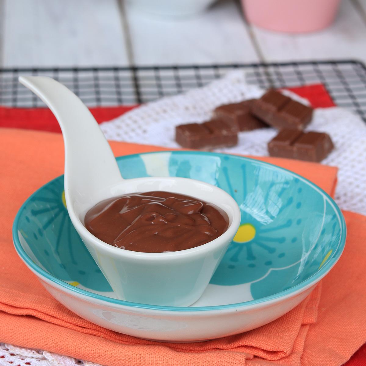 SALSA CIOCCOLATO al LATTE salsa al cioccolato per gelati e semifreddi